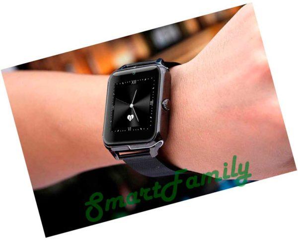 черные Smart watch Z50 на руке