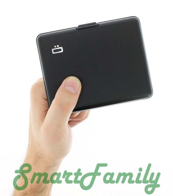 rfid кошелек черный в руке