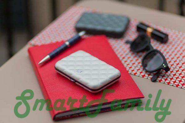 кошелек с защитой пластиковых карт