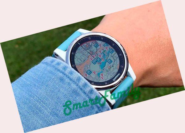 FENIX 5S PLUS белые с голубым ремешком на руке
