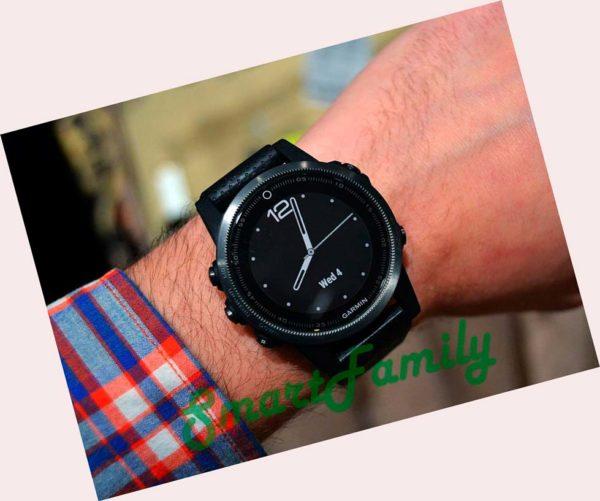 Fenix 5s Saphire черные на руке