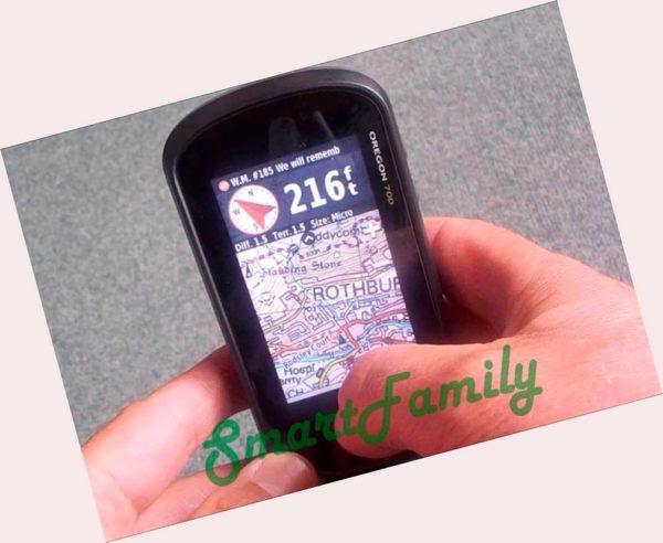 Garmin навигатор OREGON 700 в руке