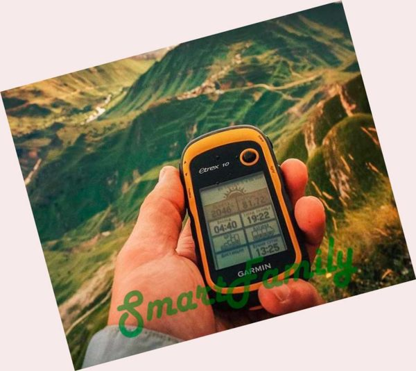 навигатор ETREX 10 в руках