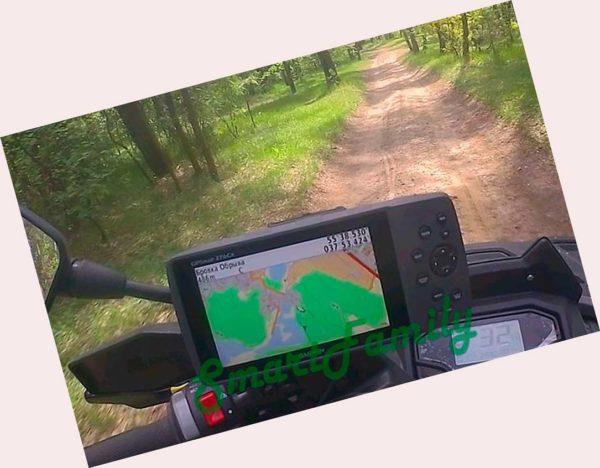 навигатор GPSMAP 276CX на руле мото