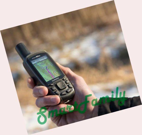 навигатор GPSMAP 64st в руке