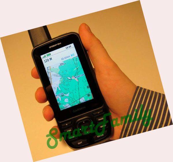 навигатор GPSMAP 66ST в руке