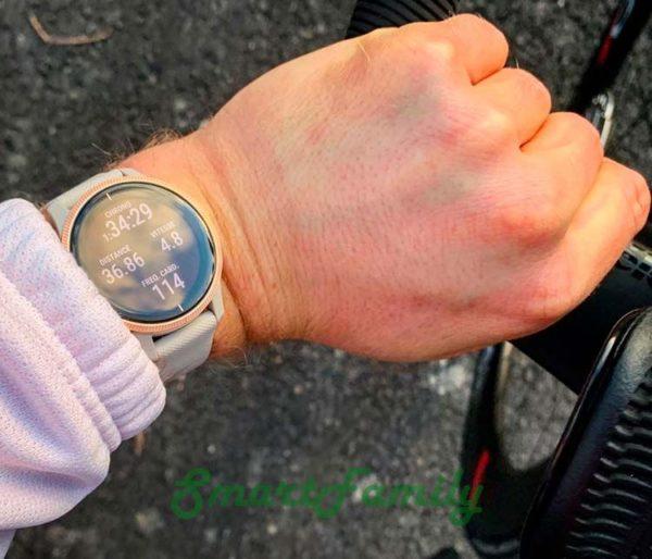 часы Venu песочные на руке