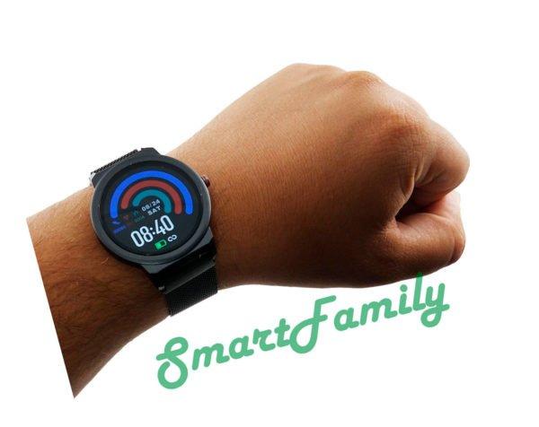 часы ELF1 на руке